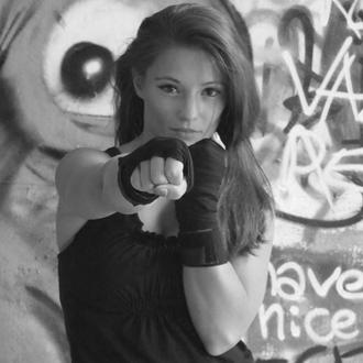 alessandra_fitness_dark